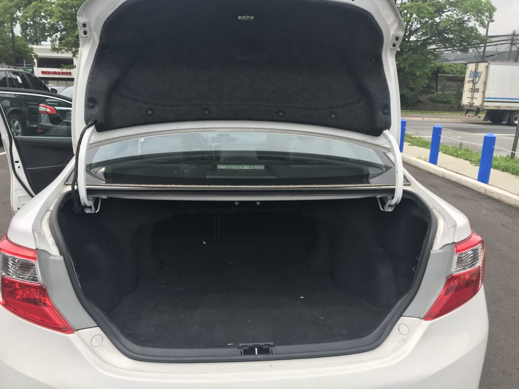 2013 Toyota Camry SE White 69k Miles – AUTOPLETE